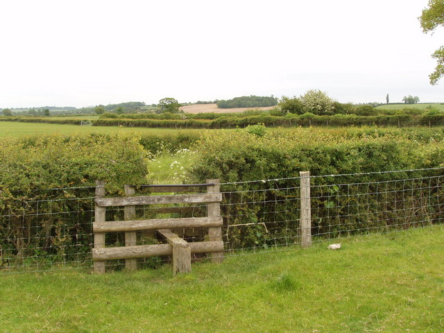 Stile in electric fence, Horton-cum-Studley
