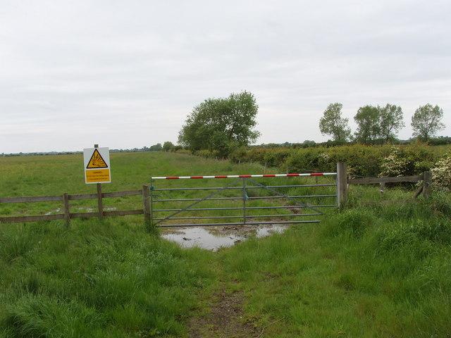 Gate onto firing range, Otmoor
