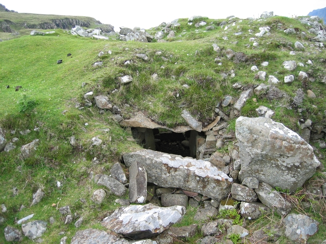 Chambered Cairn at Rubh' an Dunain