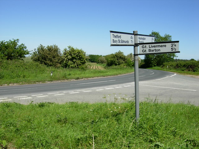 Road Junction near Rymer Barn