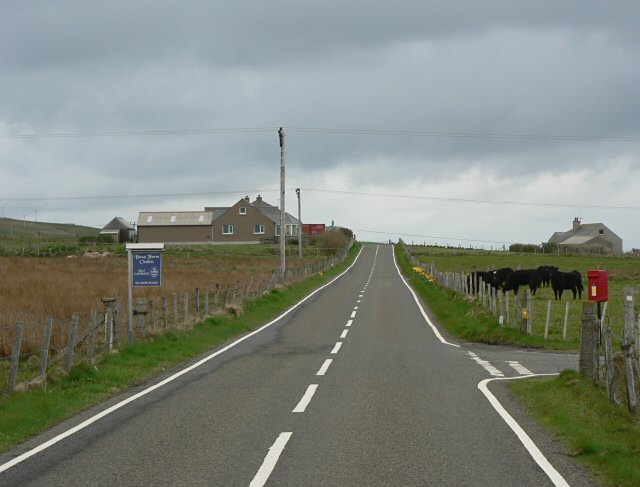 Turning for Buxa on the A964