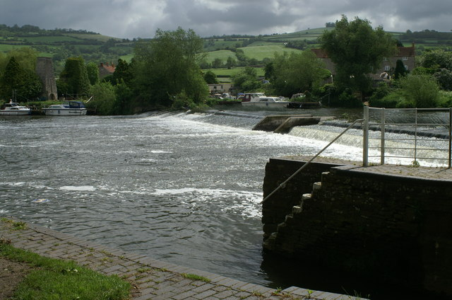 Weir on the Avon, Saltford Lock