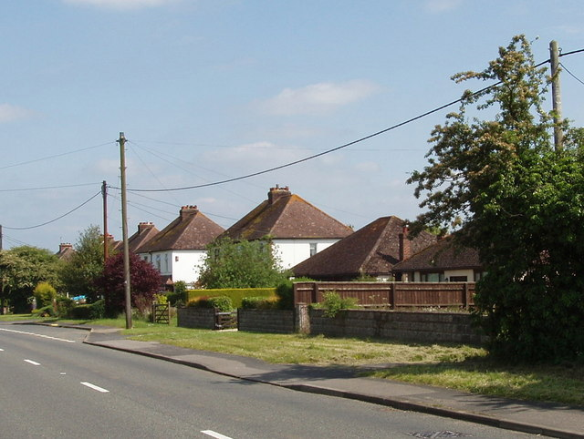Houses on the A40, Milton Common