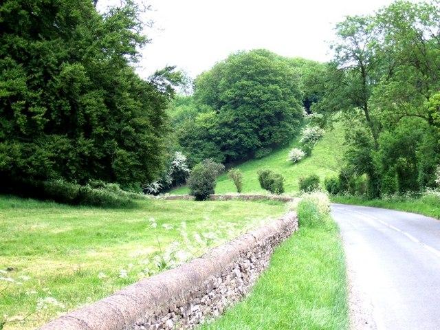 Country road near Eyford