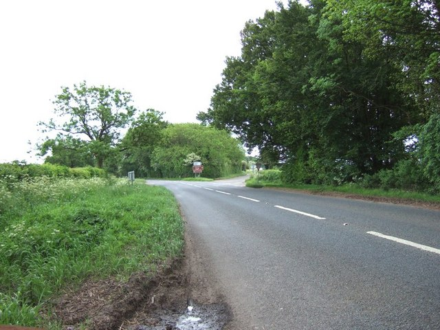 B4450 junction with A436