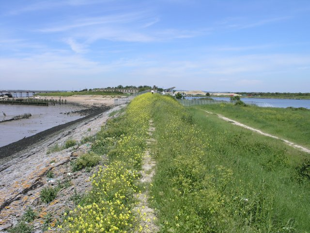 Saxon Shore Way near Cliffe Fort