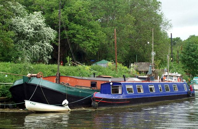 Moorings above Hanham Lock