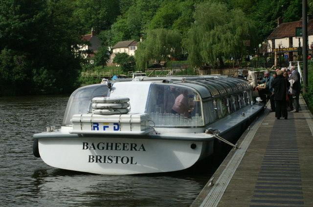 Tourist boat, Hanham mills