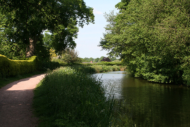 Tiverton: Grand Western Canal at Tidcombe