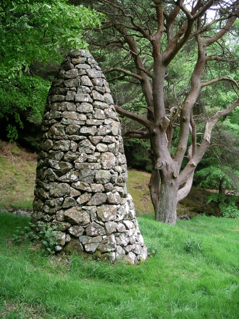 Memorial Cairn, Manor valley