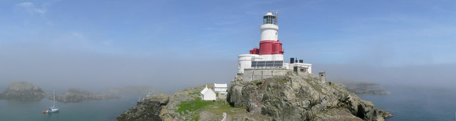 Skerries Lighthouse, Ynysoedd Y Moelrhoniaid.