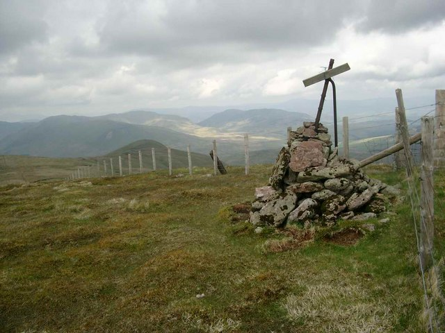 The cairn on the summit of Uamh Bheag