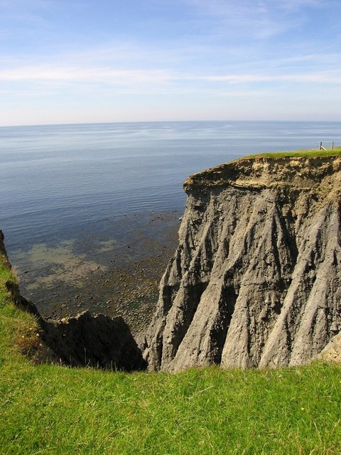 Crumbly cliffs near Ffos Las