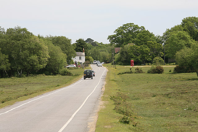 Approaching Brockenhurst on the Burley Road