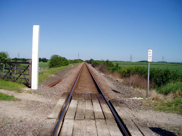 Level crossing near Great Wilbraham