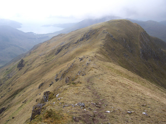 The east ridge of An t-Uiriollach.