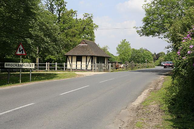 Entering Brockenhurst on the B3055 from the south