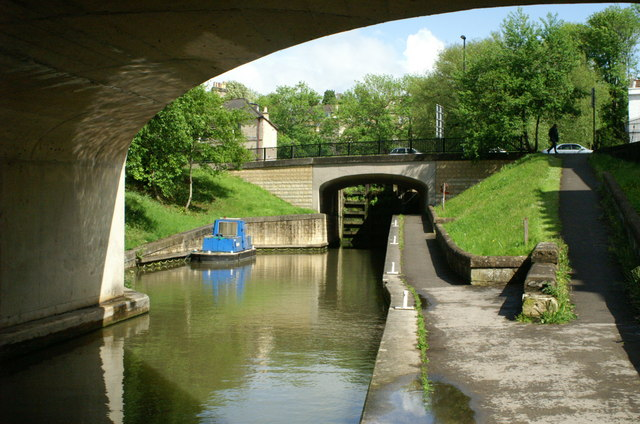 Below Bath Deep Lock, Kennet and Avon Canal