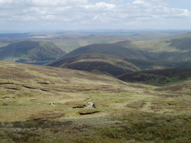 Looking SE from near Cairn Law