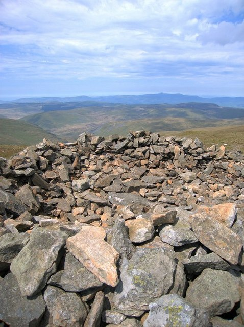 Western summit cairn on Pumlumon Arwystli