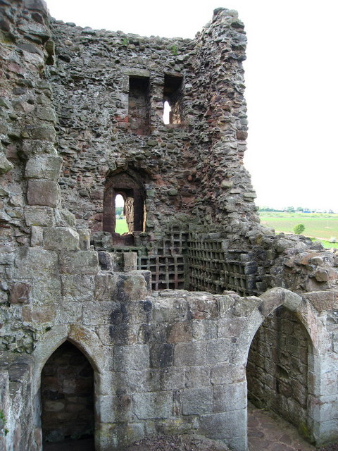 Hailes Castle Tower and Doocot