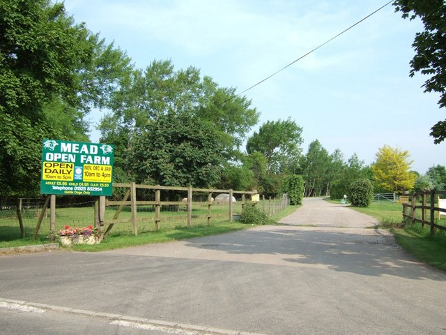 Entrance to Mead Open Farm