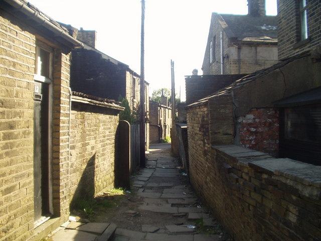 Ginnel off Brunswick Street, Queensbury