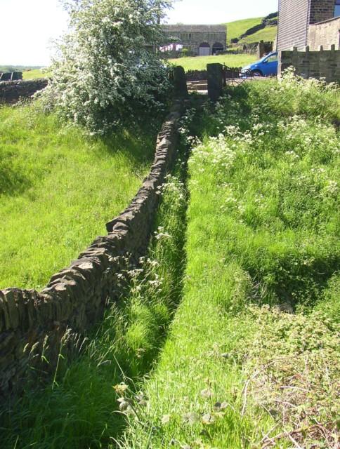 Short-cut footpath, Stainland