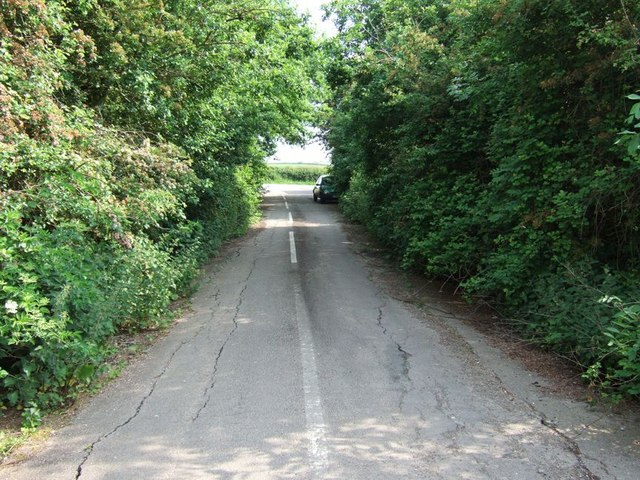Disused road near Stanbridge