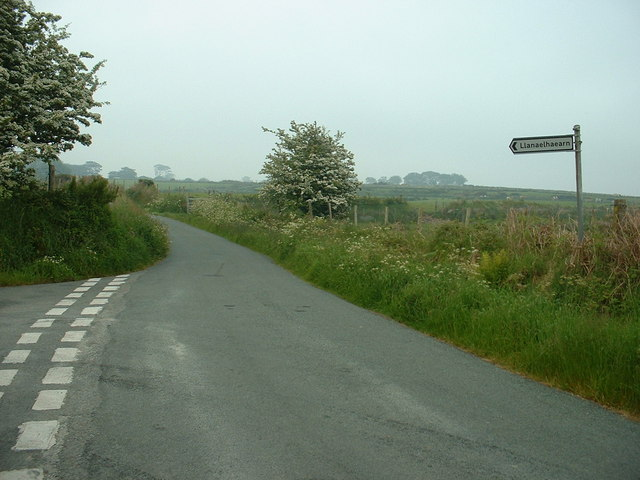Road junction - lane to Llanaelhaearn