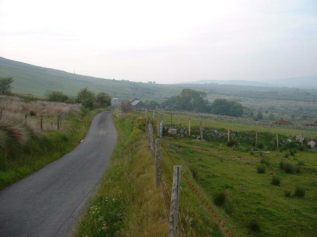 Lane towards Cwm