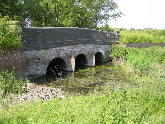 River Thame: Cuddington Bridges