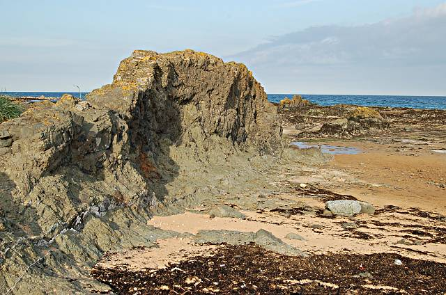 Small volcanic dyke, Ardross
