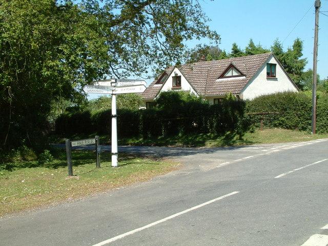 Road Junction, Hale