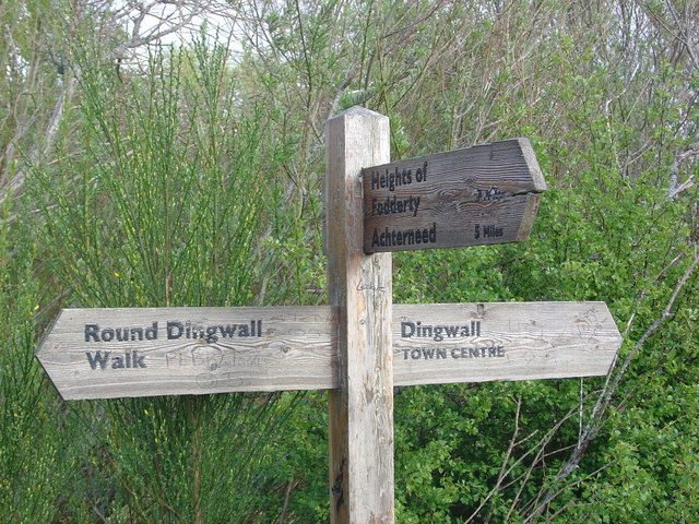 Signpost for the Round Dingwall Walk