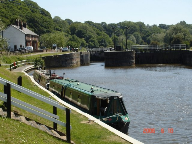 Saltersford Locks on the River Weaver