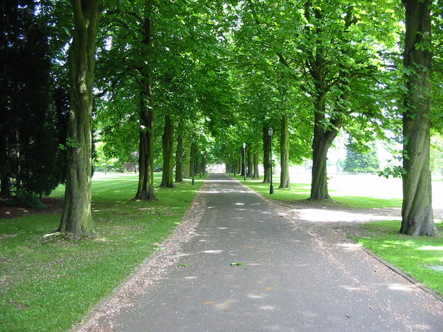 Entrance Drive to Ednaston Manor