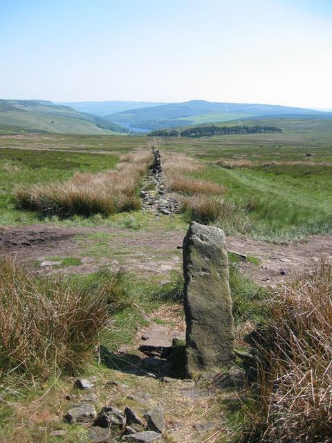 Leaning gatepost on Little Howden Moor
