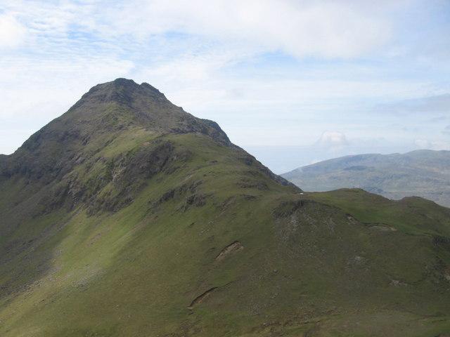 Bealach an Oir to the slopes of Trollaval
