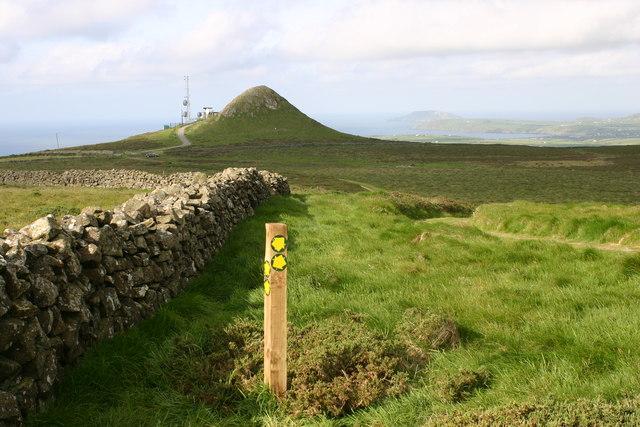 Radar mast on Mynydd Rhiw