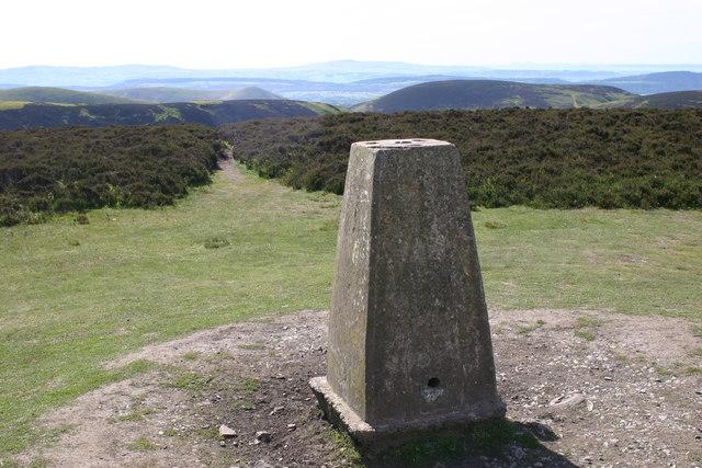 Long Mount trig