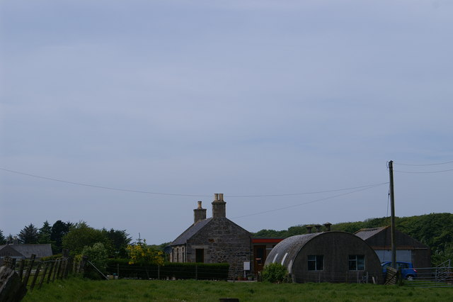 Nissen Hut & Cottage on the A90 at Rattray