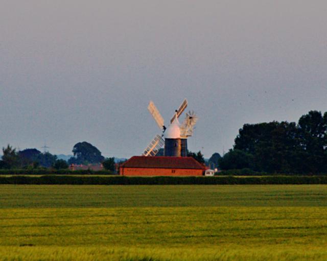 Windmill north of Tuxford