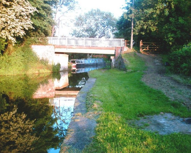 Trent & Mersey Canal Bridge No. 207, Friar's Rough