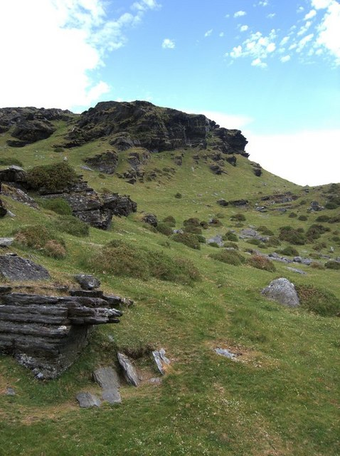 Rocky outcrops on y Gyrn