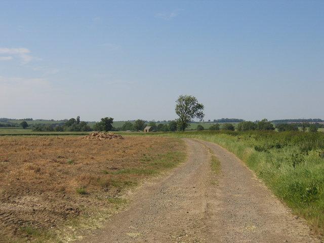 Track to Primsrose Barn
