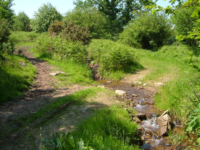 Leat water crossing Creaber Pound