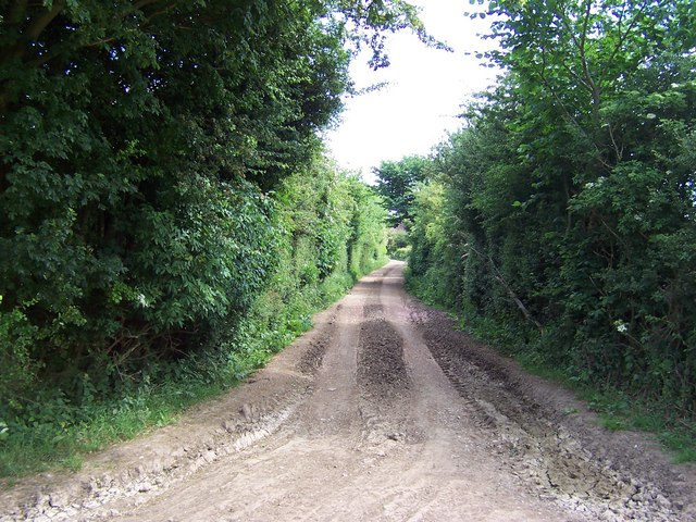 Hubber Lane on approach to Mill Farm