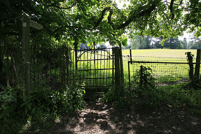 Footpath from The Crescent, Brambridge to Bishopstoke Lane