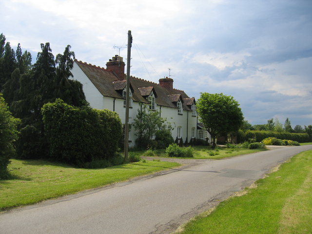 Cottages beside the Broad Marston Road